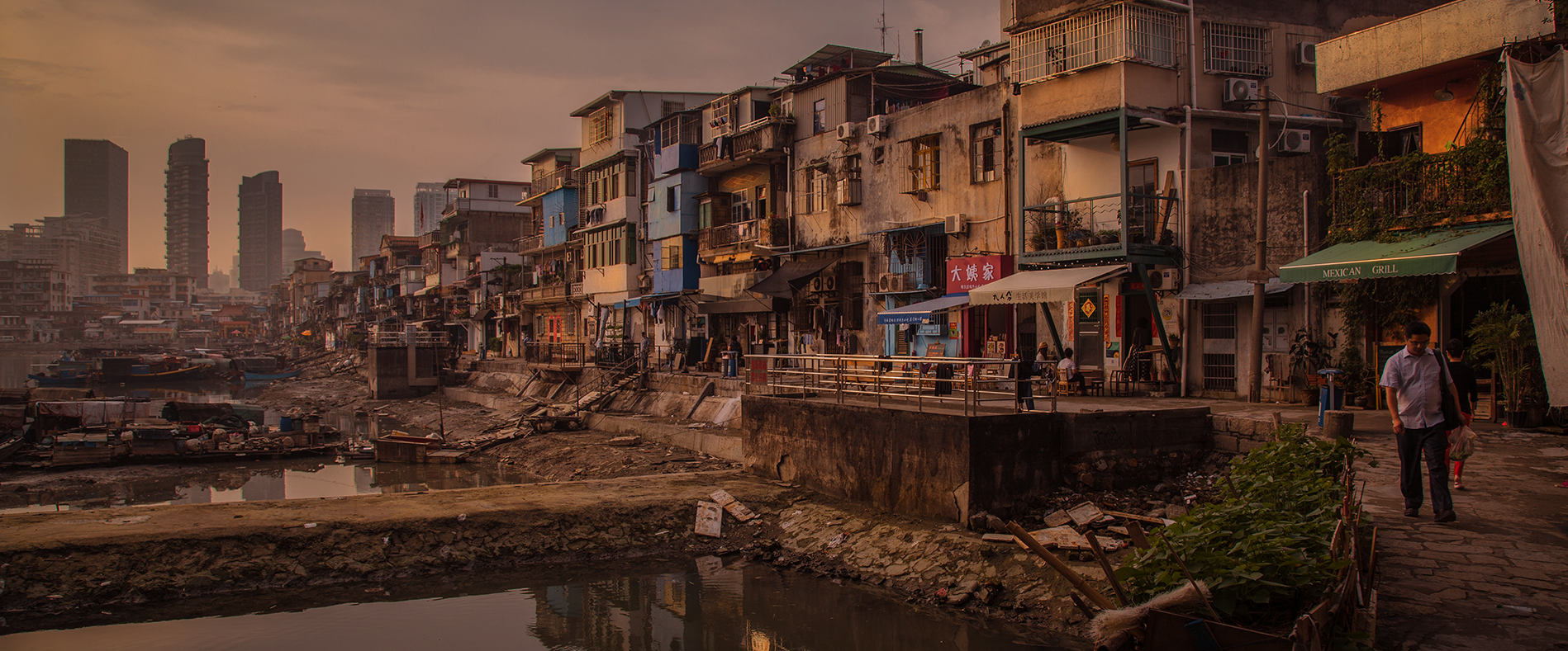 cropped-slum2.png